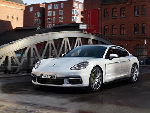 Exklusives Leasingangebot für private Kunden: Porsche Panamera 4 E-Hybrid.