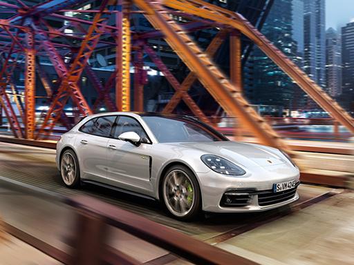Exklusives Leasingangebot für private Kunden: Porsche Panamera 4 E-Hybrid Sport Turismo.